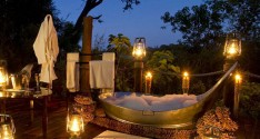 Top 10 Most Amazing Hotel Bathrooms in the World_9Sanctuary Baines' Camp in Botswana0