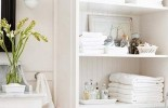 10 Tips for Chic Little Bathrooms
