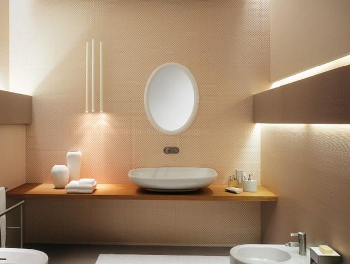 4 oval bathroom mirror 600x453 top to toe lavish bathrooms 4 oval