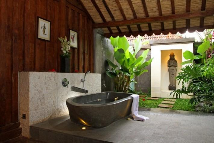 Bathe-Pray-600x400 modern bathrooms Sunlight Gorgeous and Modern Bathrooms Bathe Pray
