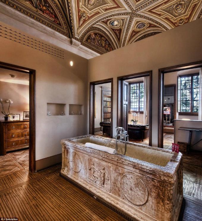 Hotel Bathroom Ideas For Your New Year Eve