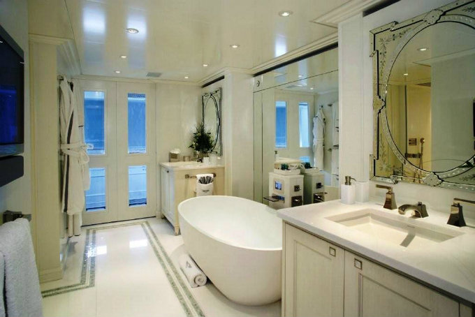 Design touch for your master bathroom for Caribbean bathroom design ideas