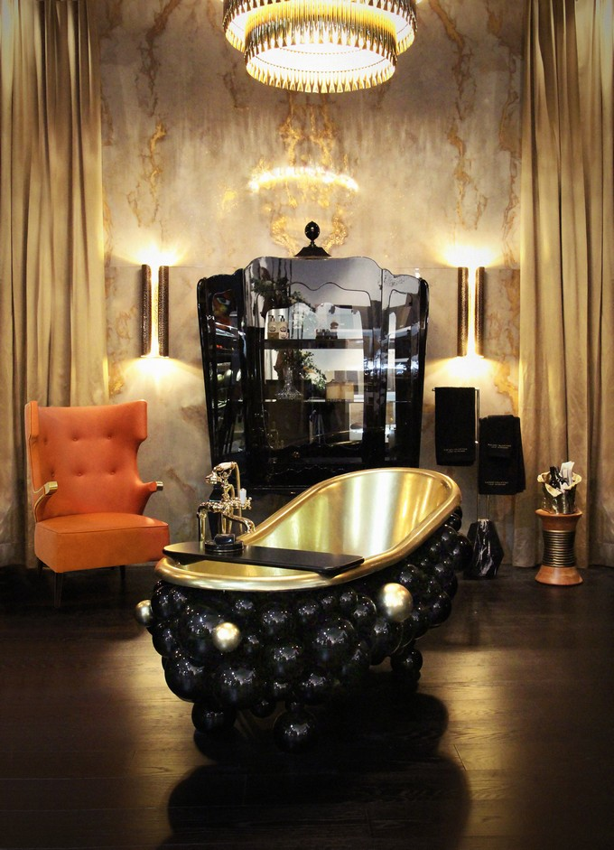 bathrooms by maison valentina  Maison Valentina: Luxury Bathrooms Ideas 5 newton bathtubs palace display case maison valentina HR 1