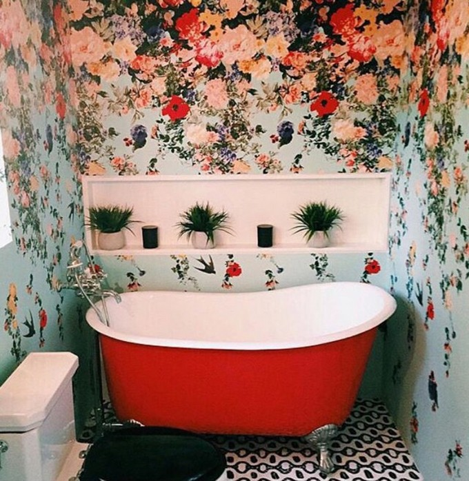 get a trendy look with these colorful bathtubs ideas. Black Bedroom Furniture Sets. Home Design Ideas
