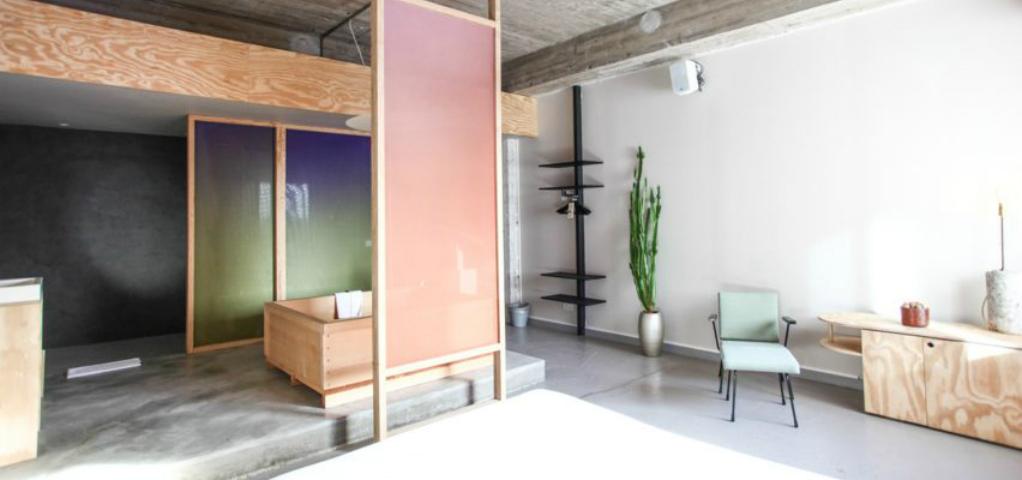 extreme minimalist interior design. Black Bedroom Furniture Sets. Home Design Ideas