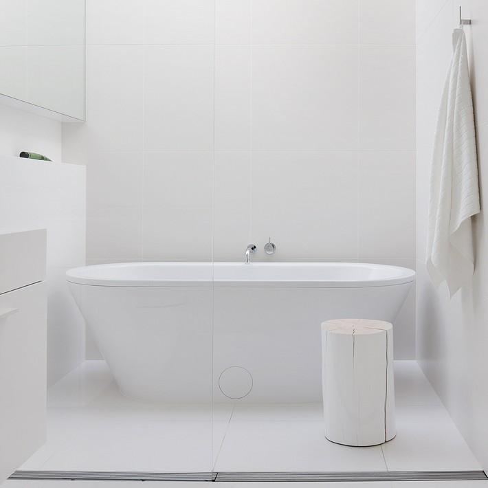 Minimalist Bathroom Images: 10 Extreme Minimalist Bathrooms With Essential Accessories