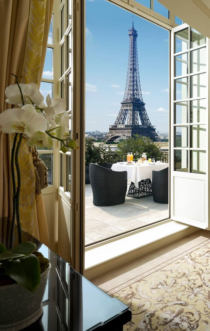 Hôtel De Crillon Hôtel De Crillon The Parisian Hôtel De Crillon Gets A Fashionable Renovation d79c4474bf4ce8075ebf333eb707d72f paris hotels france travel